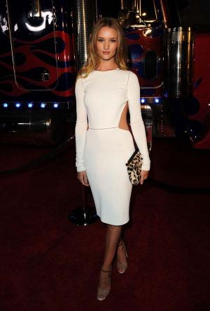 Rosie Huntington-Whiteley és Michael Bay a Maxim Hot100 party-ján 002
