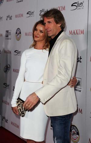 Rosie Huntington-Whiteley és Michael Bay a Maxim Hot100 party-ján 005