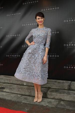 Olga Kurylenko a Feledés moszkvai premierén