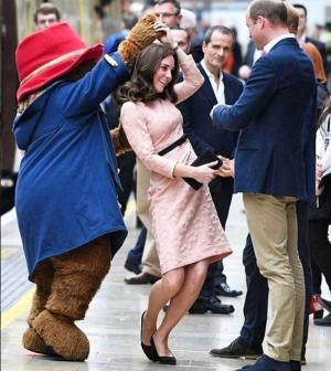 Paddington táncba vitte Katalin hercegnét