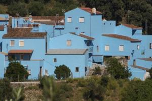 Júzcar - Az andalúz hupikék falu 003